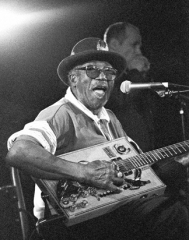 Bo_Diddley_B_W_36